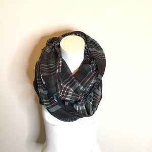 👑large green black plaid infinity scarf